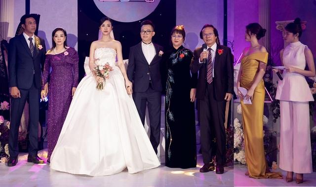 Trần Tiểu Vy khóc, Đỗ Mỹ Linh làm MC cho đám cưới Thúy An - 18