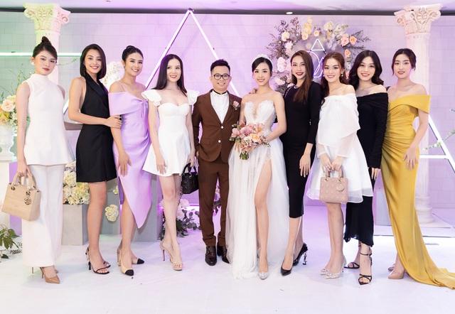 Trần Tiểu Vy khóc, Đỗ Mỹ Linh làm MC cho đám cưới Thúy An - 7