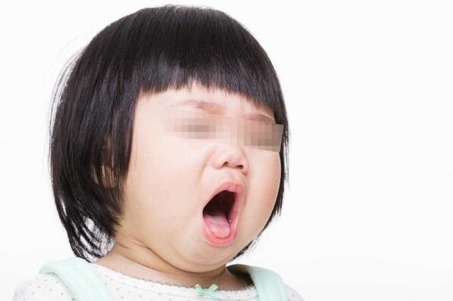 Bất ngờ phát hiện hạt lạc kẹt trong phổi trẻ từ tiếng thở rít - 1