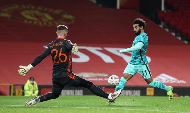 Man Utd 3-2 Liverpool: Salah lập cú đúp, Fernandes tung đòn quyết định - 13