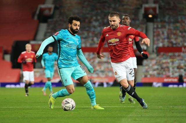Man Utd 3-2 Liverpool: Salah lập cú đúp, Fernandes tung đòn quyết định - 6