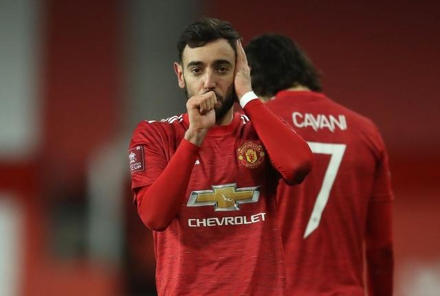 Man Utd 3-2 Liverpool: Salah lập cú đúp, Fernandes tung đòn quyết định - 2