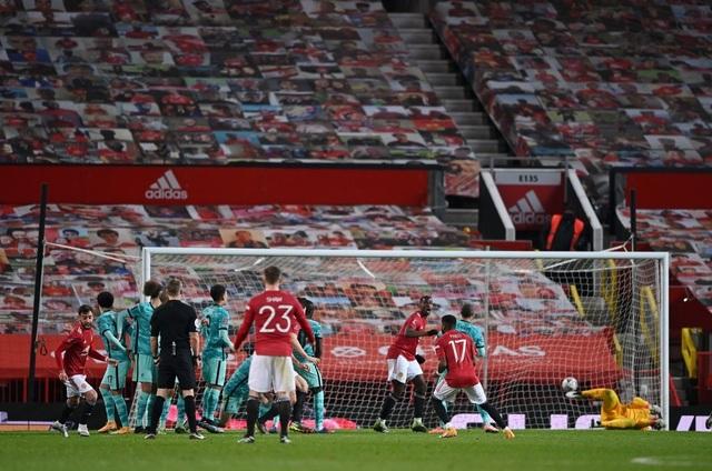 Những khoảnh khắc Man Utd vượt qua Liverpool ở Old Trafford - 18
