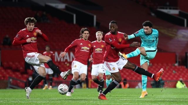 Những khoảnh khắc Man Utd vượt qua Liverpool ở Old Trafford - 11