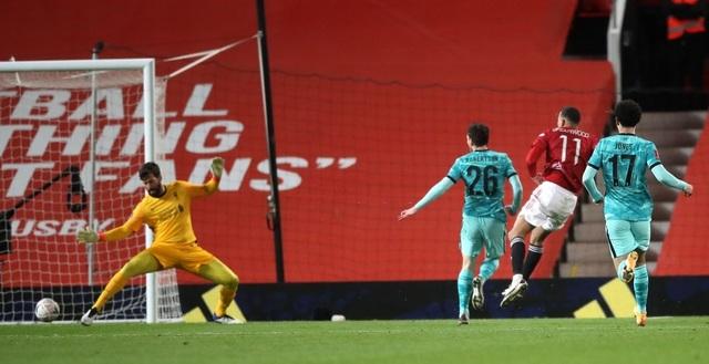 Những khoảnh khắc Man Utd vượt qua Liverpool ở Old Trafford - 8