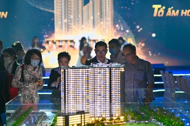 Hơn 1.000 khách hàng đến tìm hiểu khu căn hộ cao cấp The Rivana - 2