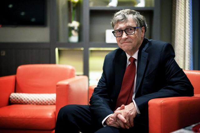 Tỷ phú Bill Gates hào hứng khi được tiêm vắc xin ngừa Covid-19 - 2