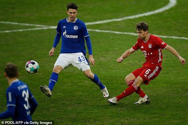 Thắng đậm Schalke, Bayern Munich tăng tốc trong cuộc đua vô địch - 2