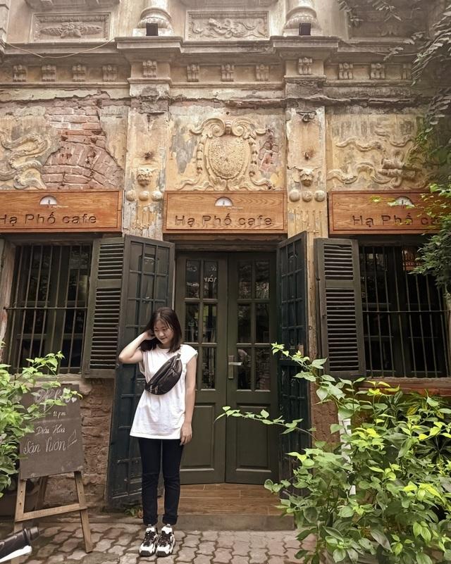 Quán cà phê trong ngôi biệt thự cổ ở Hà Nội - 1
