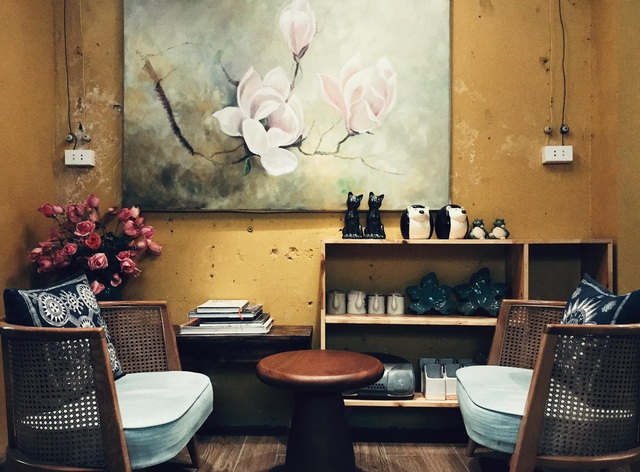 Quán cà phê trong ngôi biệt thự cổ ở Hà Nội - 4