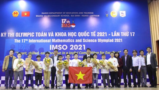 Việt Nam giành 2 Huy chương Vàng Olympic Toán học và Khoa học quốc tế - 2