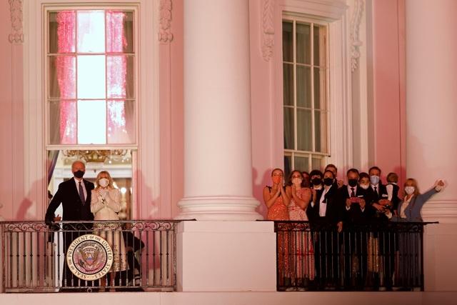 Tuần trăng mật của gia đình Biden ở Nhà Trắng - 2