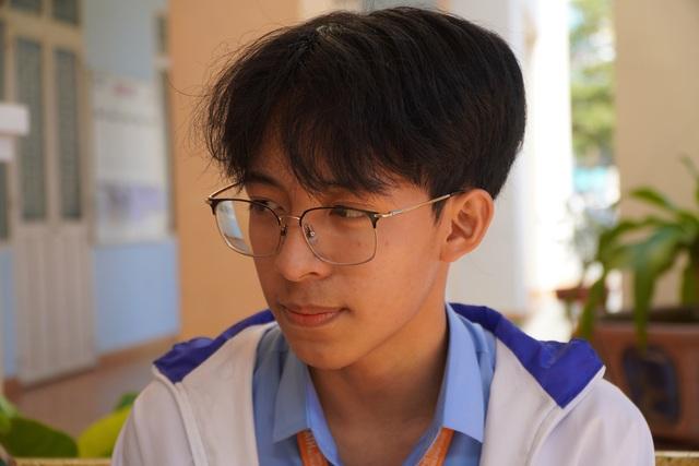 Chuyện chưa biết về cậu học trò chuyên Toán đoạt giải Nhất quốc gia môn Văn - 3