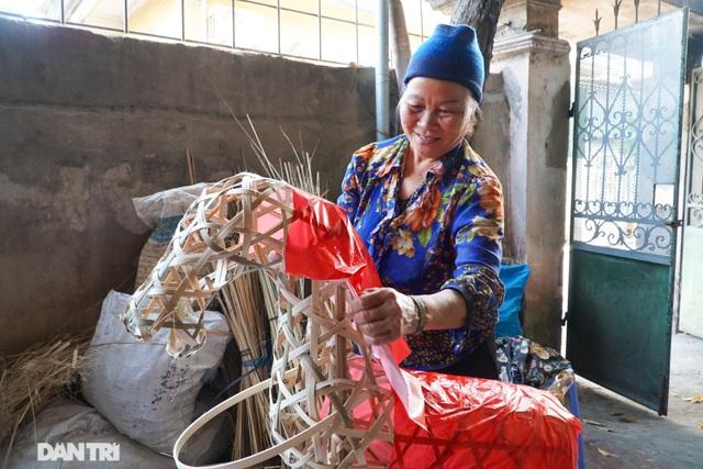 Nơi cả làng chỉ đan rổ rá nay thành thủ phủ của những nghệ nhân làm vàng mã - 9
