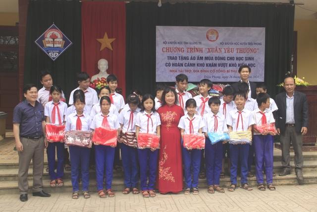 Quảng Trị: Mang Xuân yêu thương đến với học sinh nghèo hiếu học vùng lũ - 2