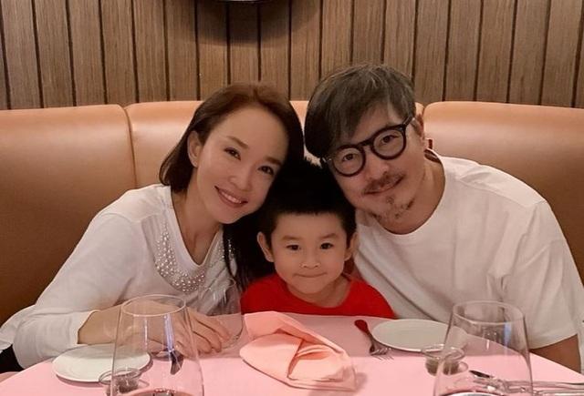 Hôn nhân ngọt ngào đáng ngưỡng mộ của Lý Minh Thuận và Phạm Văn Phương - 15