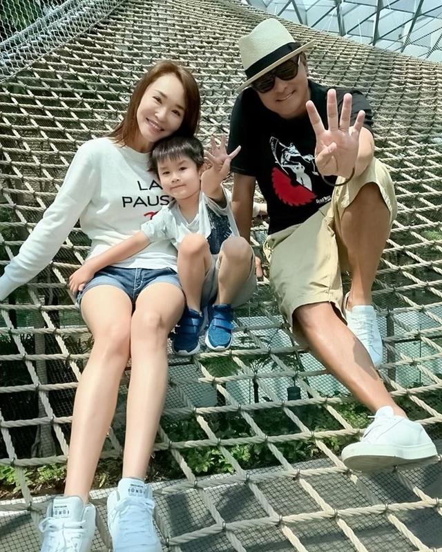 Hôn nhân ngọt ngào đáng ngưỡng mộ của Lý Minh Thuận và Phạm Văn Phương - 4