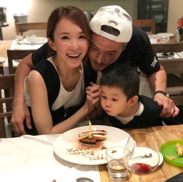 Hôn nhân ngọt ngào đáng ngưỡng mộ của Lý Minh Thuận và Phạm Văn Phương - 5