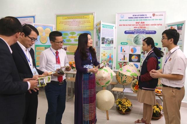 Gần 100 dự án tham gia cuộc thi Khoa học - kỹ thuật cho học sinh trung học - 2