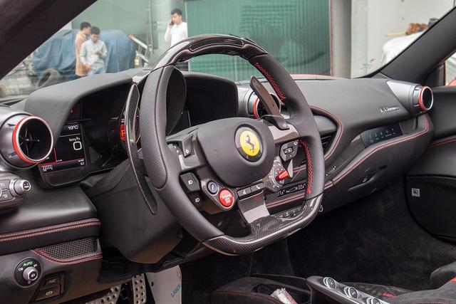 Mục sở thị Ferrari F8 Spider thứ 2 tại Việt Nam, giá gần 30 tỷ đồng - 8