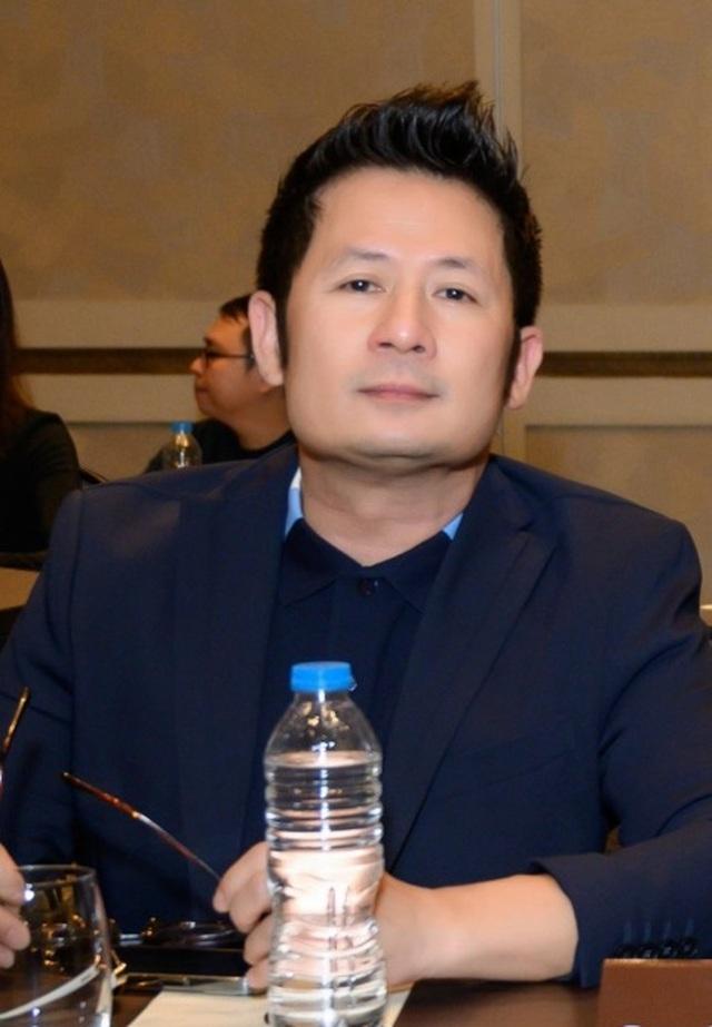 Hồ Ngọc Hà đọ dáng cùng Á hậu Thúy Vân - 9