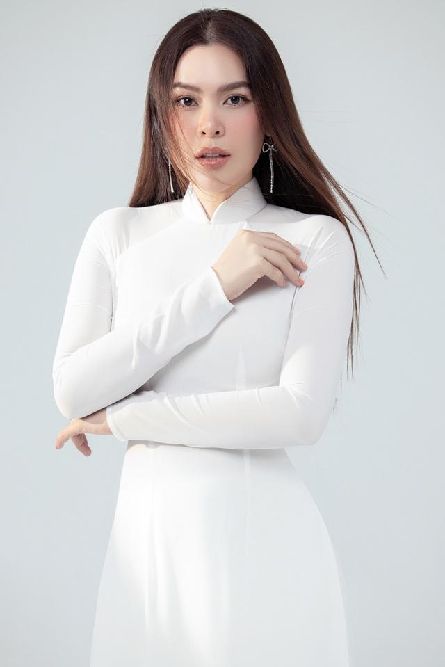 Hoa hậu Phương Lê  khoe sắc với áo dài - 3