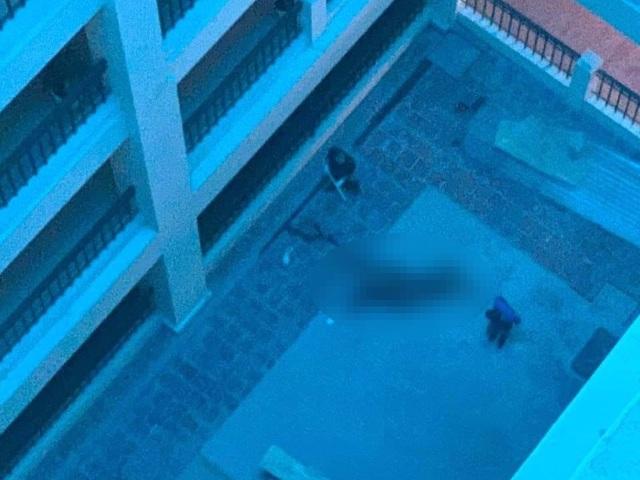 Nam thanh niên rơi lầu tại trường Đại học Công nghiệp Hà Nội - 1
