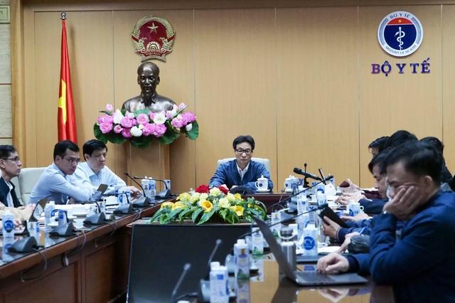 Việt Nam phát hiện 2 ca Covid-19 ngoài cộng đồng, Bộ Y tế họp khẩn - 1