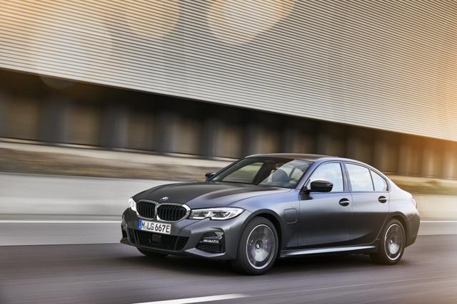 BMW bổ sung phiên bản hybrid sạc điện cho dòng 3 và 5 series - 1