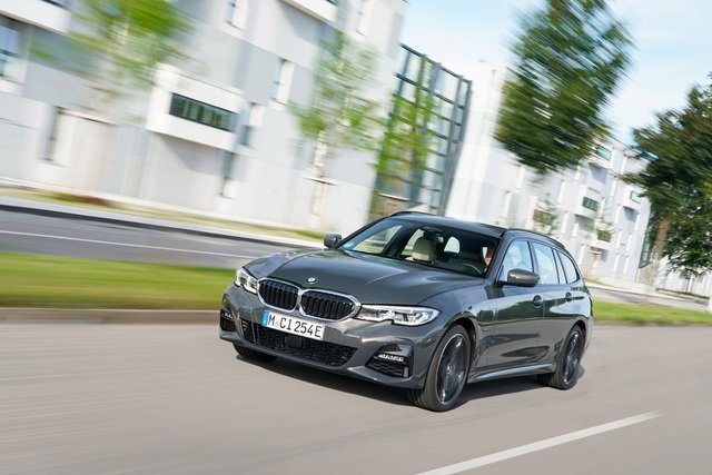 BMW bổ sung phiên bản hybrid sạc điện cho dòng 3 và 5 series - 2