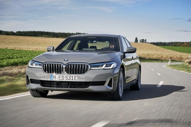 BMW bổ sung phiên bản hybrid sạc điện cho dòng 3 và 5 series - 5