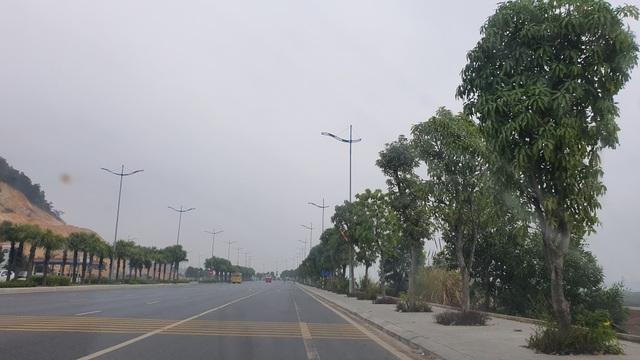 11 ca mắc Covid-19 trong cộng đồng, đường phố Quảng Ninh vắng tanh - 1