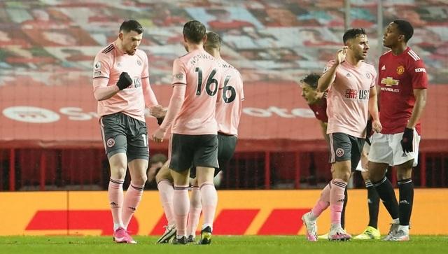 HLV Solskjaer: Cavani sẽ trở lại đối đầu với Everton - 3