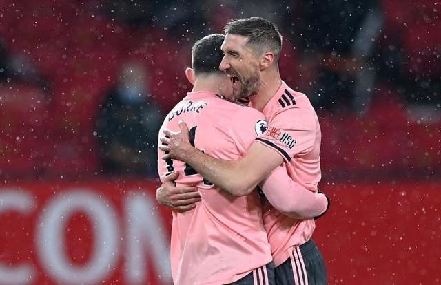 Man Utd 1-2 Sheffield Utd: Địa chấn ở Old Trafford - 1