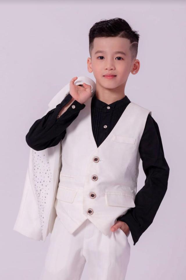 Mẫu nhí Minh Anh gây xúc động khi vào vai con trai NSND Trung Anh - 4