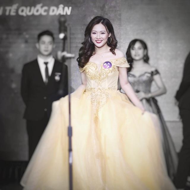 Nữ MC tài năng với niềm đam mê thời trang ngoại cỡ - 2