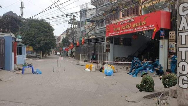 11 ca mắc Covid-19 trong cộng đồng, đường phố Quảng Ninh vắng tanh - 5