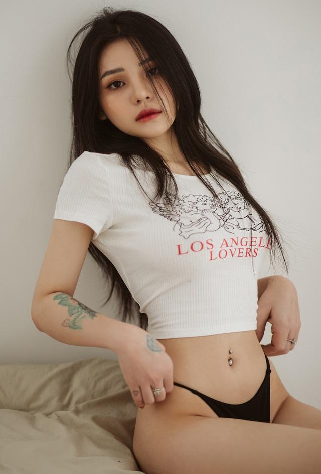 Thiếu nữ 9X sở hữu mặt xinh, vóc dáng nóng bỏng với vòng eo 55cm - 3