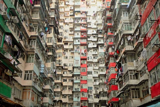Cảnh sống tồi tệ trong những căn hộ bị mổ xẻ ở Hồng Kông - 2