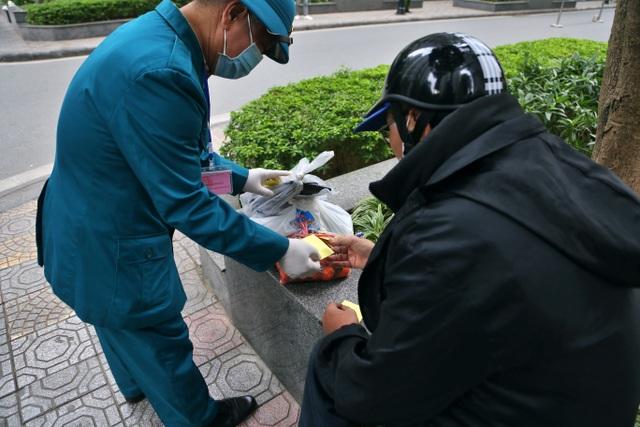 Hà Nội: Cận cảnh phong tỏa tòa nhà ở Times City - 7