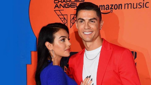 Bạn gái C.Ronaldo chính thức ra mắt thương hiệu thời trang riêng - 5