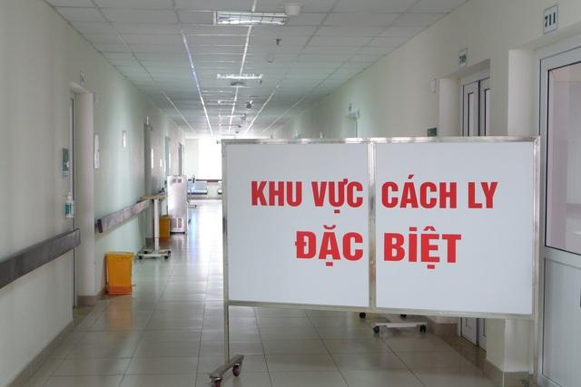 Bệnh nhân Covid-19 ở Quảng Ninh suy hô hấp, tổn thương phổi nặng - 4