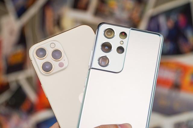 Galaxy S21 Ultra đọ dáng iPhone 12 Pro Max - 6