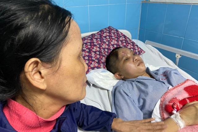 Người mẹ nghèo: Tôi quỳ gối, cúi đầu xin mọi người giúp đỡ cứu lấy cháu - 8
