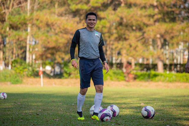 V-League trở lại và thách thức mới cho các huấn luyện viên - 1
