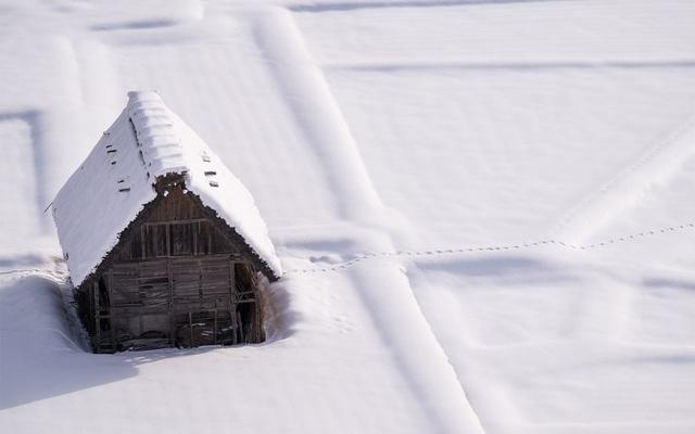 Những ngôi nhà cổ 250 tuổi lung linh trong tuyết trắng - 5
