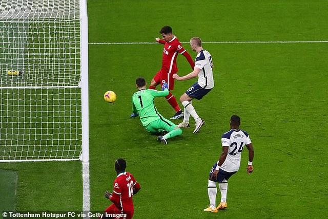 HLV Mourinho: Hàng công ghi 4 bàn thì chúng tôi mới thắng Liverpool - 1