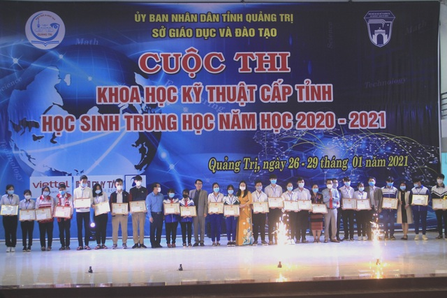 Quảng Trị: Trao giải thưởng 58 dự án Khoa học kỹ thuật học sinh trung học - 3