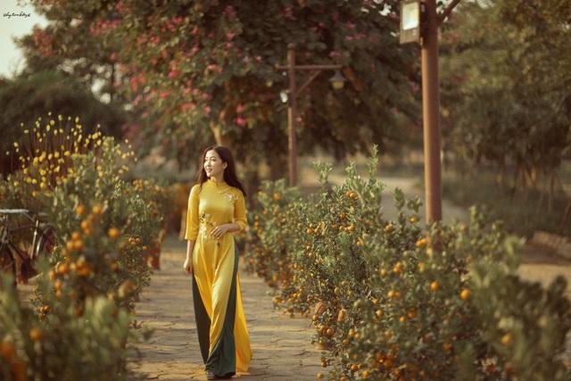 Thiếu nữ xứ Thanh đẹp tựa nàng thơ, dạo bước đón Xuân sớm - 5
