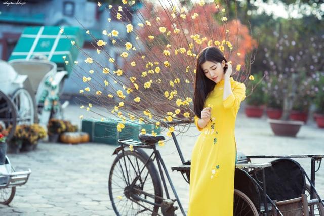 Thiếu nữ xứ Thanh đẹp tựa nàng thơ, dạo bước đón Xuân sớm - 6